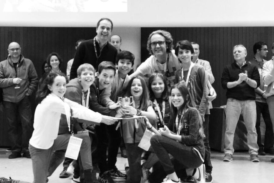 El equipo de inn—Be participa como jurado en la First Lego League.